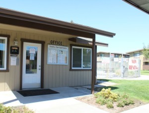 Country Club Apartments - Lemoore